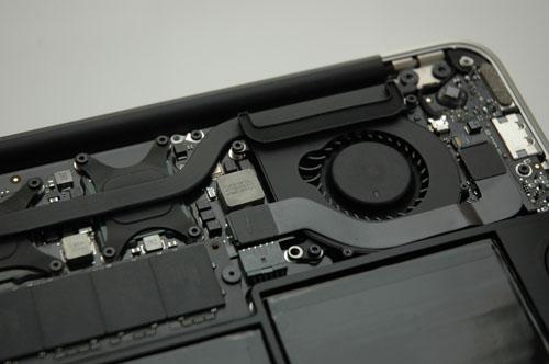 11インチMacBook Air 分解
