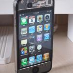 美しいスケルトンな iPhone 4