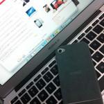 軽くしなやかな iPhone 4S用ジャケット