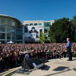 Steve Jobs の追悼式をビデオ公開