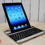 ウルトラスリムな iPad用キーボードケース