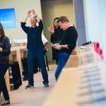 iPhone 5s/5cの発売日にTim Cook 現れる