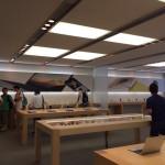 Apple Store、店内のパネルデザインを変更