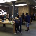 MacBook、ディスプレイの角度は76度