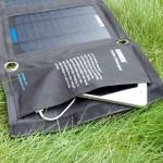 ソーラーエネルギーで、どこでもガジェットを充電