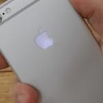 Appleのロゴが光る iPhone 6