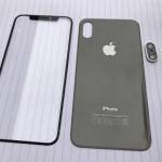 iPhone 8 用とされるフロントとバックパネル部品