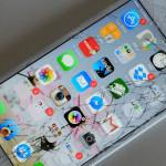 あまり知られていないのか、iPhone のガラス割れ正規修理は3,400円